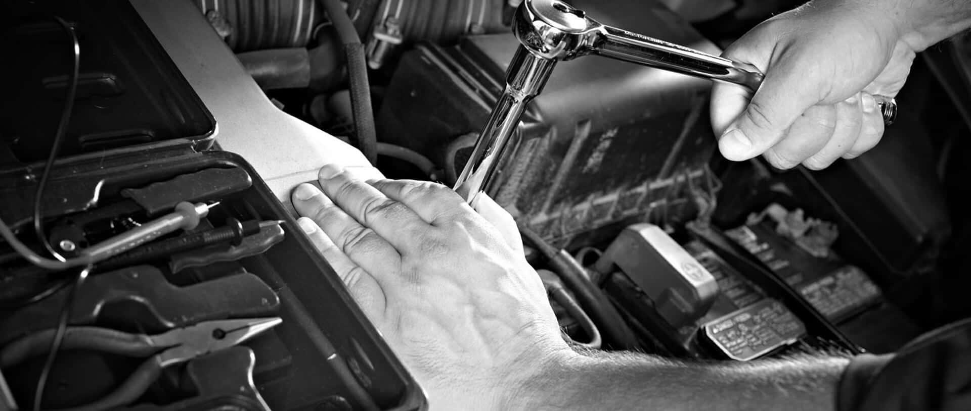 Două ipoteze, un camion defect, un oraş şi unservice: Matei Truck Service